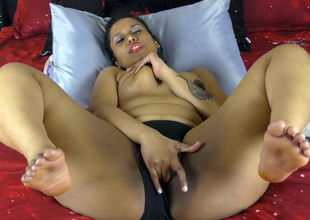 Enormous indian tramp thrusting  in..