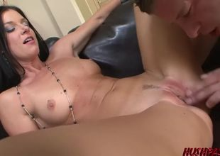 Horny cougar india summer deep-throats..